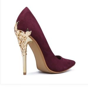 Shoes - NEW in BOX Vegan SUEDE Goldtone HEELS PUMPS Shoes
